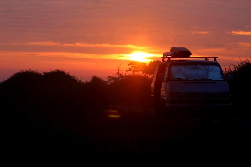 sunset roadtrip vanlife