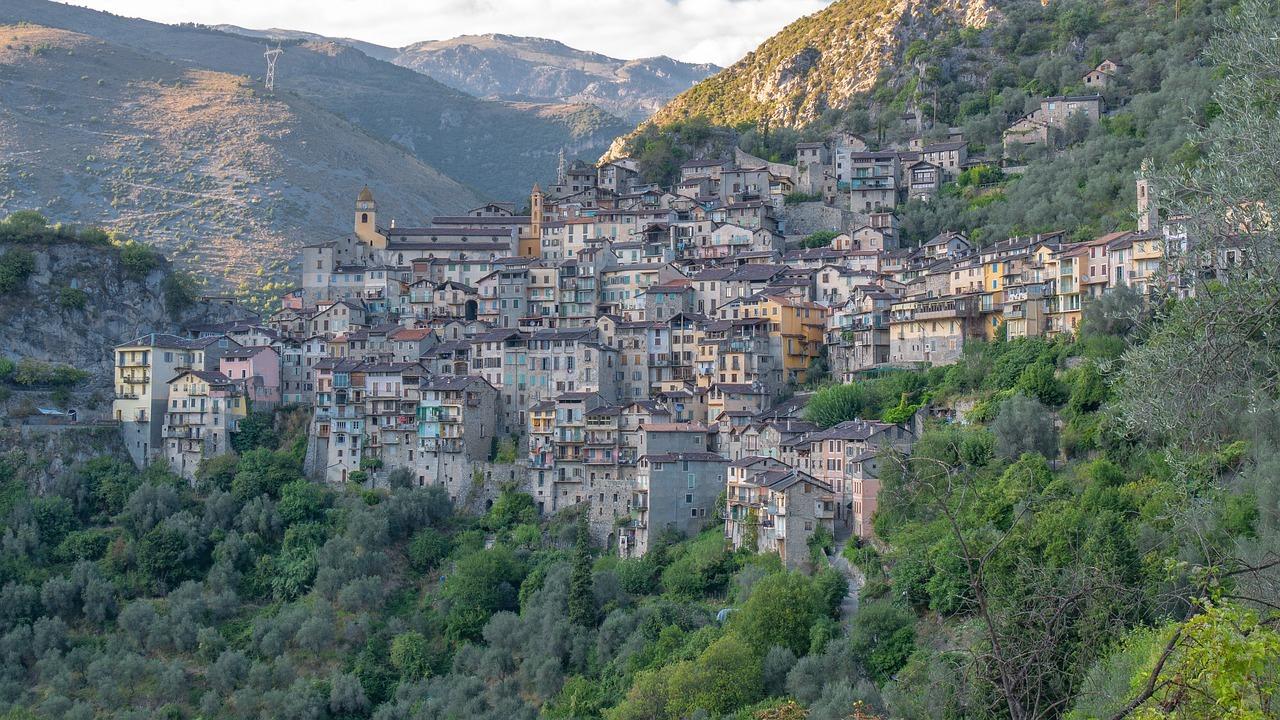 Frankrig bjerglandsby landsby
