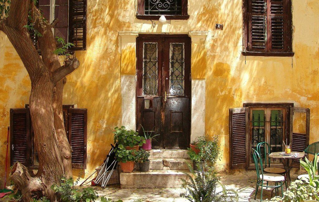 Hellas Athen gult hus yellow