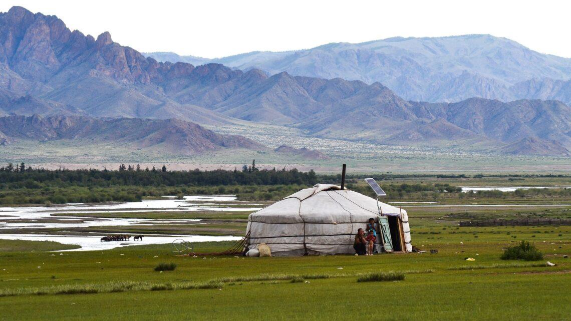 Mongolia yurt gee